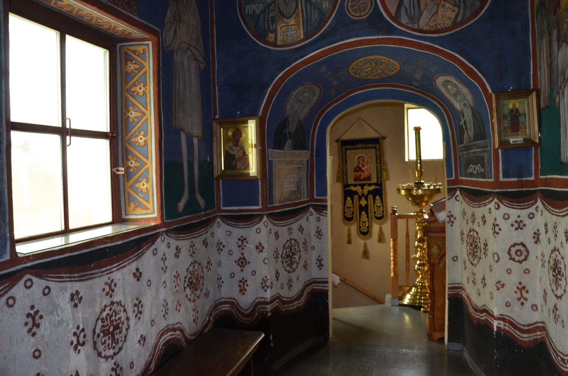 Russisch Orthodoxe Kirche1 Seitengang innen